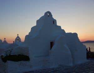 """6 """"Must Do"""" Activities in Mykonos, Greece"""